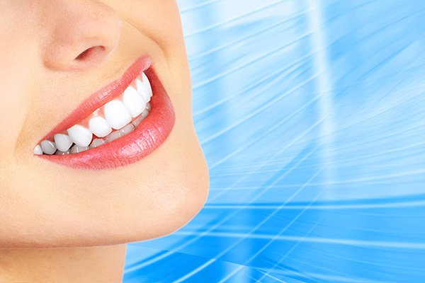 Who Is A Candidate For A Smile Makeover Treatment?